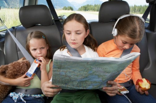 5 tips to eat healthy on family road trips