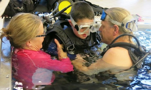 She works with volunteer divers through the Illinois Institute of Diving in Glen Ellyn.