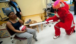 Chicago Bulls visit Advocate kids