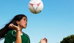 Girls tend to ignore concussion symptoms