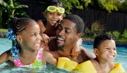 Does chlorine really kill all the pee in the pool?