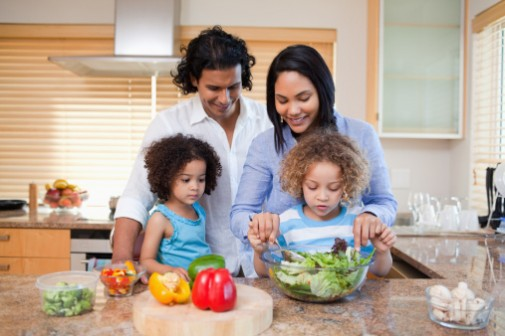 Kids make healthier choices when parents cook
