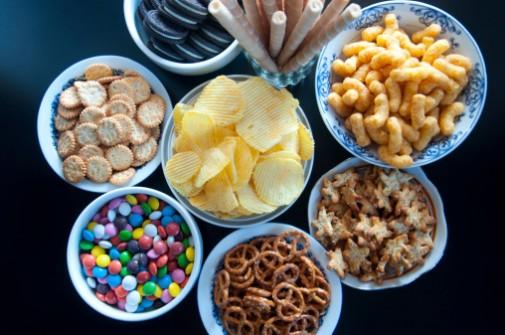 Junk food binges can sabotage your diet