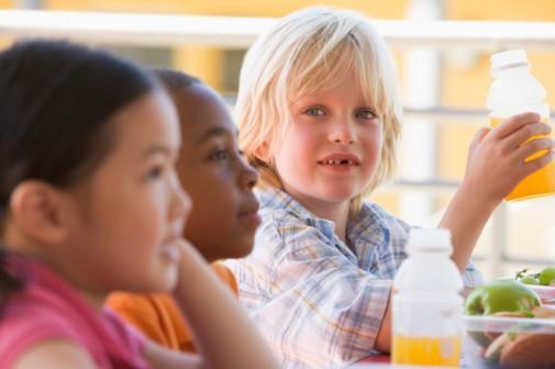Acid in fruit drinks pose threat to kids' teeth
