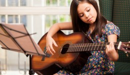 Music therapy helps reduce depression in kids and teens