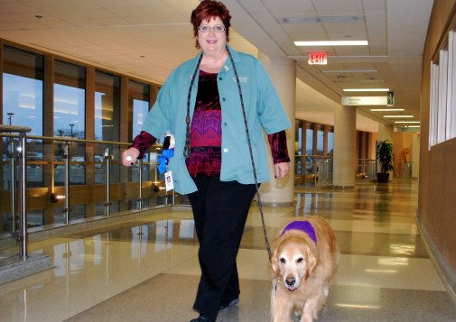 How pet therapy improves patient spirits