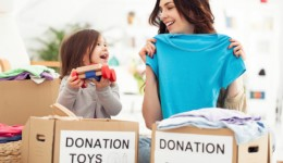5 ways to put giving back into the holidays