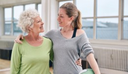 How a medicine ball can improve balance in older adults