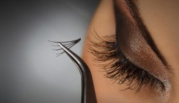 Fake lashes may be harming your eyes
