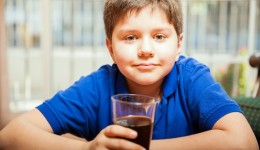 Kids of divorced parents guzzle more soda