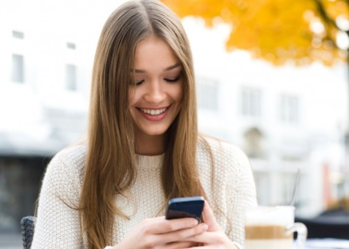 Texting program reminds girls of birth control appointments