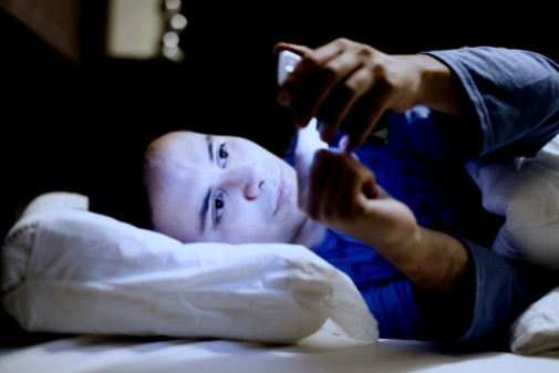 Bedtime texting could be putting teens' health at risk