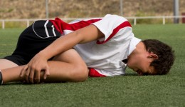 A common knee fracture found in athletic adolescent boys