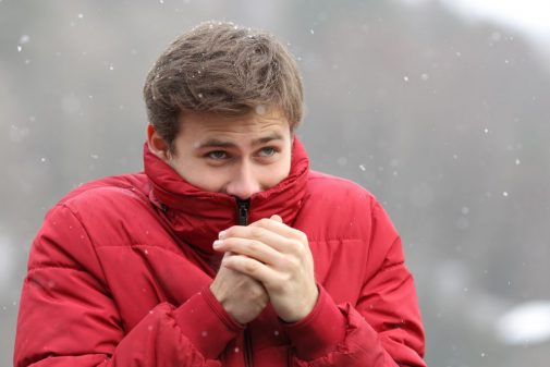 Infographic: 5 tips to stay safe in the cold