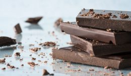 4 surprising health benefits of dark chocolate