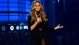 Supermodel Chrissy Teigen opens up about postpartum depression