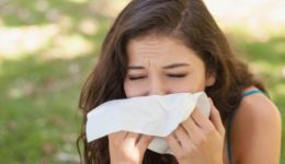 10 things that worsen your seasonal allergies