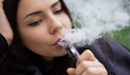 U.S. Senator Dick Durbin seeks ban on e-cigarette marketing to kids