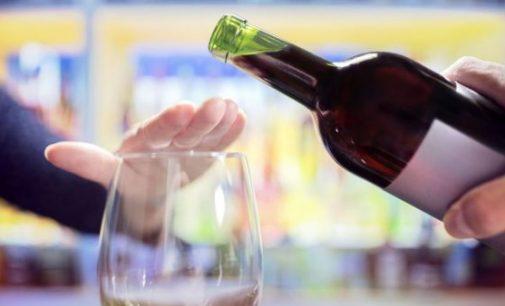 Posso beber álcool com isso?
