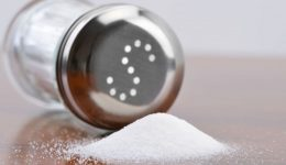 5 quick tips to limit your salt intake